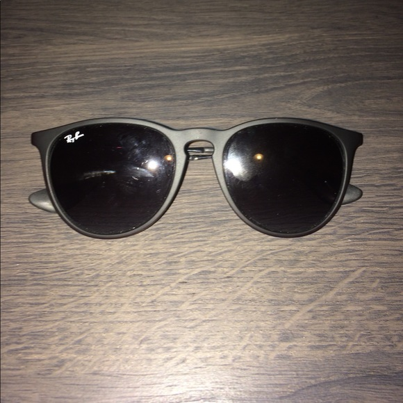 595c0c5c0471 Original Ray-ban sunglasses. Style Erika. M 5ac04d043800c5514e892ff2